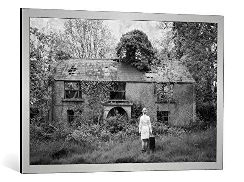 kunst für alle Quadro con Cornice: Kasia Krefft Returning Home - Stampa Artistica Decorativa, Cornice di Alta qualità, 100x65 cm, Argento Spazzolato