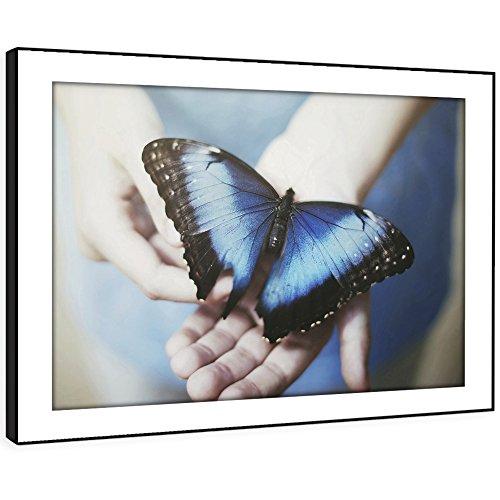 BBFA253E enmarcado cuadro de la pared impresión del arte - (mariposa azul en la mano...