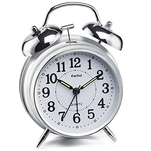 Eachui Doppelglockenwecker mit Nachtlicht, Lauter Alarm, Wecker Analog mit großes Zifferblatt von 4 Zoll, kein Ticken, geräuschlos, Wecker Batteriebetrieben, Retro Design (Silber)