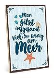 TypeStoff Holzschild mit Spruch – Am Meer sitzen – im Vintage-Look mit Zitat als Geschenk und...