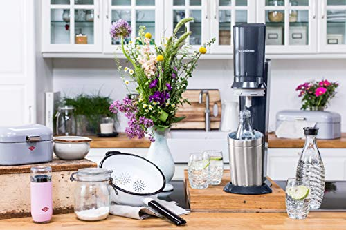 SodaStream CRYSTAL 2.0 Glaskaraffen Wassersprudler zum Sprudeln von Leitungswasser, mit spülmaschinenfester Glasflasche für Sprudelwasser. inkl. 1 Zylinder und 2 Glaskaraffen 0,6l; Farbe: Titan/Silber - 4