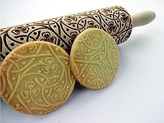 Teigroller mit IRISH KNOTEN für hausgemachtes Gebäck. Präge Nudelholz mit Klee Herzen