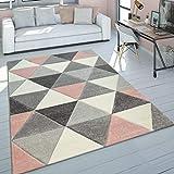alfombra gris y rosa