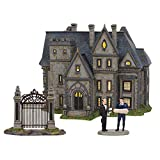 Department 56 6002318 DC Comics Village Batman Wayne Manor Bruce and Alfred Lit Building and Accessory Set, 8.07 Inch, Multicolor