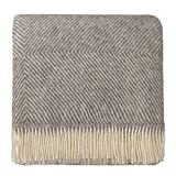 URBANARA 140x220 cm Wolldecke 'Gotland' Grau/Creme — 100% Reine skandinavische Wolle — Ideal als Überwurf, Plaid oder Kuscheldecke für Sofa und Bett — Warme Decke aus Schurwolle mit Fransen
