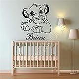 LKJHGU Film Cartoon Wild Animal Lion Nome Personalizzato Decorazione Artistica Adesivo in Vinile Asilo Nido Camera dei Bambini murale 100x118cm
