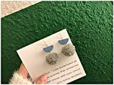 Chwewxi Otoño e Invierno cálidos y Lindos aretes de Felpa de Color Borla Larga corderos de Pelo de Pelota de Cordero Clip de Oreja de Temperamento Coreano, M121 par de Gancho de Oreja Gris