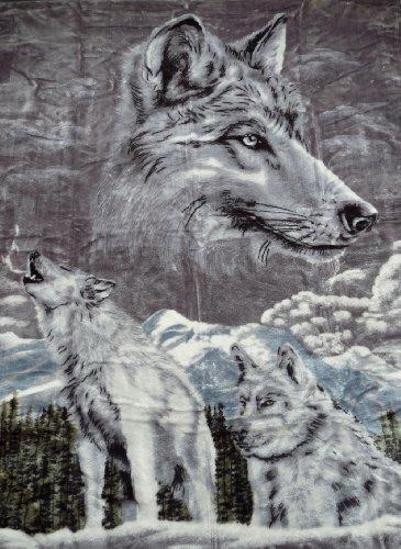 Natur-Fell-Shop Kuscheldecke Tagesdecke Decke Motiv Silber Wolf 160x200cm
