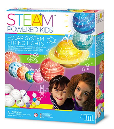 4M 00-04905 Die STEAM Powered Girls-Solar System String Lights bringen das Universum ins Kinderzimmer und wecken die Faszination die unendlichen Weiten des Weltraums selbst zu entdecken, bunt