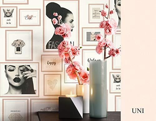 NEWROOM Tapete grafisch beige Bilderrahmen Parfum Sprüche Vliestapete schwarz Vlies Tapete Dekoration inkl. Tapezier Ratgeber ǀ Grafik