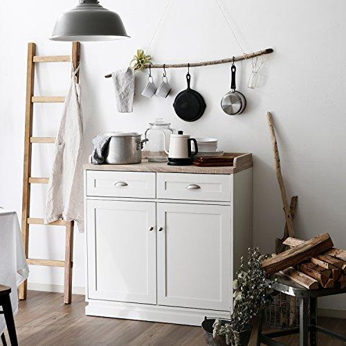 ロータイプの食器棚は、作業台としてもちょうどいい高さ。 コーヒーツールやティーセットを置けば、そのまま飲み物を用意することができます。  また、壁面も収納やディスプレイとしても活用できるので、ひとつのスペースを自分好みに何役にも使うことができます◎