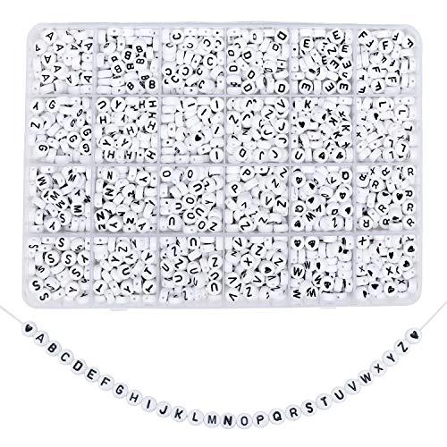 Perline Lettere (1620 Pz) - 6 mm (A-Z) Perline con Lettere - Perline Alfabeto per Braccialetti, Portachiavi and Fai da Te Creazione Gioielli - Braccialetti Perline e Cuore Perline (Bianco e Nero)