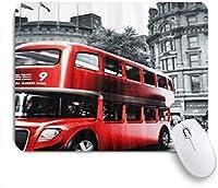 VAMIX マウスパッド 個性的 おしゃれ 柔軟 かわいい ゴム製裏面 ゲーミングマウスパッド PC ノートパソコン オフィス用 デスクマット 滑り止め 耐久性が良い おもしろいパターン (赤いロンドンバスで黒と白の画像)