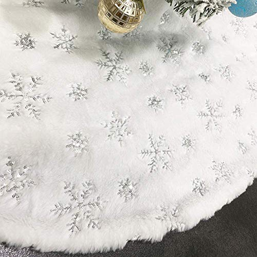 CHICHIC 48 Inch Large Christmas Tree Skirt White Tree Skirt Xmas FauxFur Tree Skirts Christmas Decorations for Holiday Tree Ornaments Christmas Party Home Decorations with Sequin Silver Snowflakes