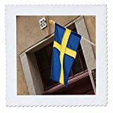 3dRose qs_82584_3 Schweden, Stockholm, Gamla Stan, schwedische Flagge, EU28 BJA0025 Jaynes Gallery Quilt, quadratisch, 20,3 x 20,3 cm