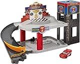 Cars Garaje Copa pistón, Garaje de Coches de Juguete (Mattel DWB90)