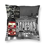 ZVEZVI Retro Vintage British Museum y Fresh Red London Bus of England Fundas de Cojines Accent Home Sofá Funda de cojín Funda de Almohada Regalo Decorativo 18X18 Pulgadas