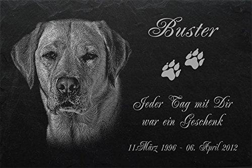 """Schiefertafel mit wetterfester Lasergravur des Motives """"Hund-039"""" Labrador (mit dem Musterbild oder Ihrem eigenen Foto - siehe Auswahl) und Ihrem Text/Daten in der gewünschten Schriftart z.B. als Grabschmuck auf das Grab oder als Schmucktafel für Zuh"""