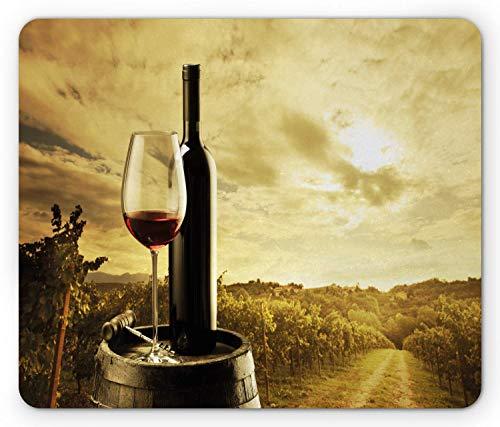 Wein Mauspad, Rotweinflasche und Glas auf Holzfass Dramatic Sky Agriculture, Rechteck rutschfestes Gummi-Mauspad, Standardgröße, Kaffee schwarz