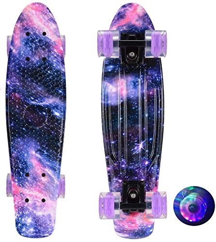Deciduous Electric Skateboard Complete 22-Zoll-Cruiser Penny-Board Retro-Design Purple sternenklare Grafik-Galaxie-Skating für Anfänger Erwachsene Mädchen Jungen Tony Hawk-Spiele,Lila