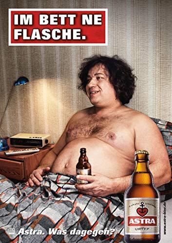 ASTRA Bier Werbung/Reklame Plakat DIN A1 59,4 x 84,1cm Im Bett ne Flasche, kultiges Poster aus St. Pauli