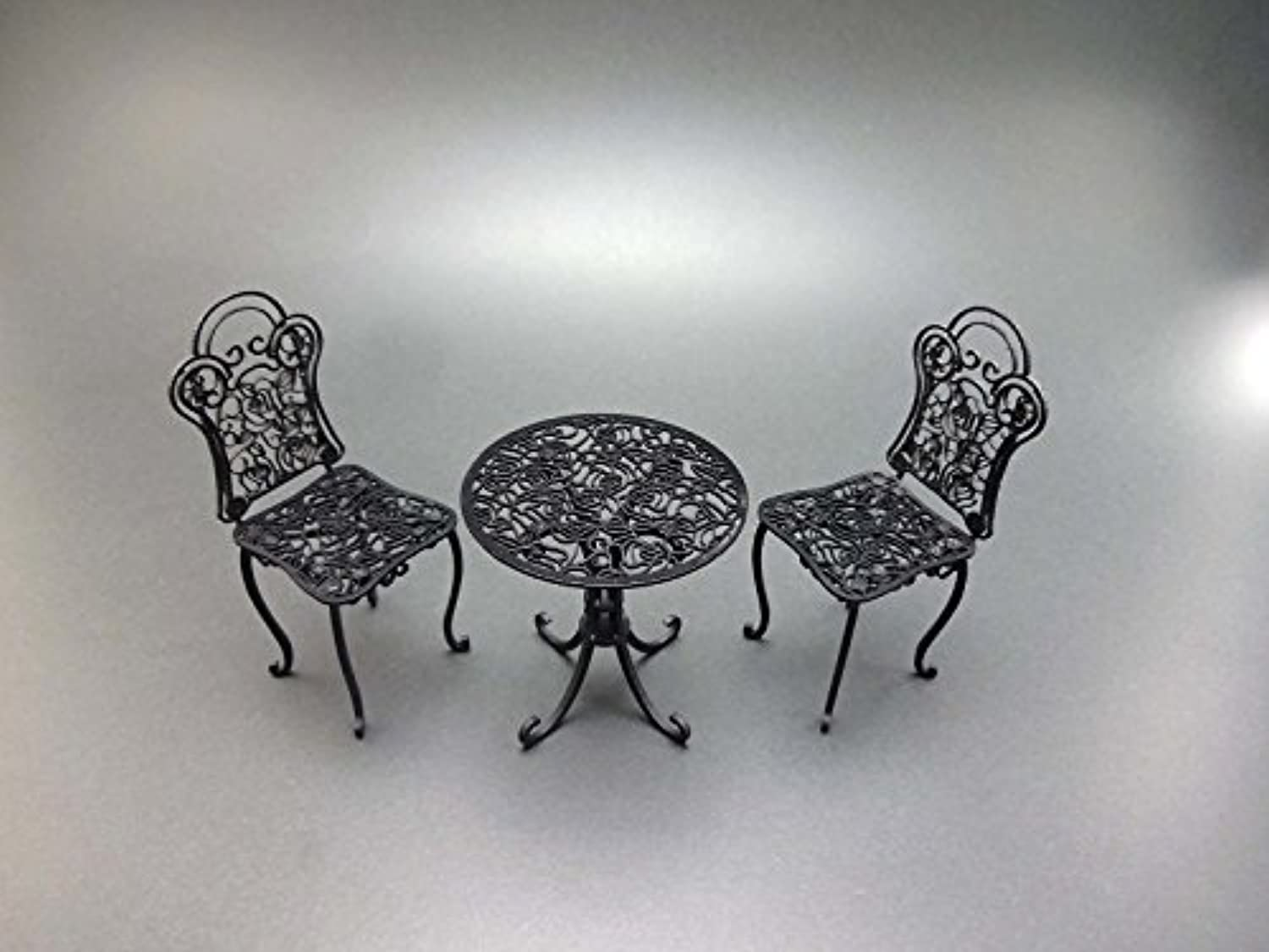 1 12 Iron table & chair (pink design)