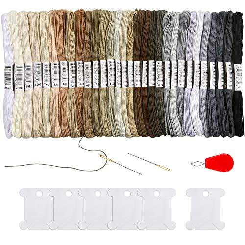 Pllieay - 30 madejas de hilo de bordado de color gris degradado, pulseras de la amistad con 6 bobinas de hilo dental, 2 agujas de bordado y enhebrador de agujas para proyectos de punto de cruz