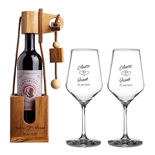 Casa Vivente Geschenkset zur Hochzeit – Weißweingläser und Flaschenpuzzle aus dunklem Holz mit Gravur – Motiv Herzen – Personalisiert mit Namen und Datum – Hochzeitsgeschenk – Geschenkidee für Paare
