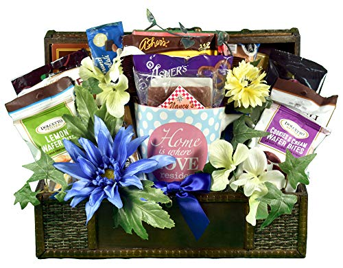 Gift Basket Village Where The Heart Is, A Housewarming Gift Basket To Welcome Neighbors or Celebrate The Excitement Of A New Home With Friends Or Family, 6 lb