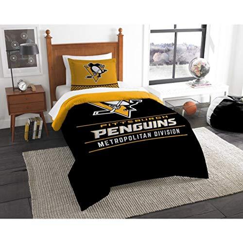 B62830000 570B6783000001 EN 2 Piece Hockey League Penguins Comforter Twin Set, Sports Patterned Bedding, Team Logo Fan Merchandise Athletic Team Spirit, Black Gold White, Polyester Unisex