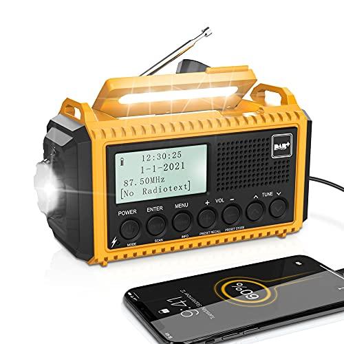 Radio Solaire Portable DAB+/DAB/FM d'urgence à Manivelle,Multifonction Lampe de Poche LED Radio Rechargeable avec Réveil Numérique, Batterie 5000 mAh et Alarme SOS,Camping,Randonnée,Extérieur,Survive