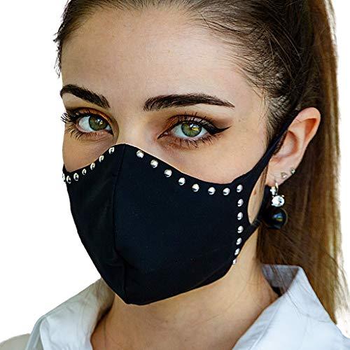 Mascherina in tessuto lavabile in lavatrice con filtro interno intercambiabile. Colore nero con borchie in metallo. Taglie S M L XL (L)