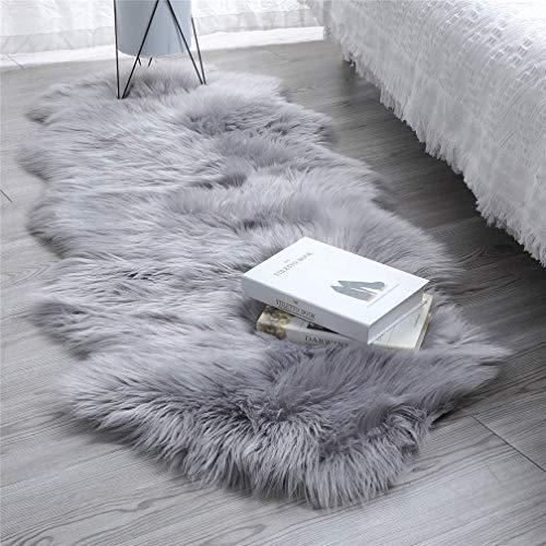 SXYHKJ Lammfell-Teppich Lang Kunstfell Schaffell Imitat | Wohnzimmer Schlafzimmer Kinderzimmer | Als Faux Bett-Vorleger oder Matte für Stuhl Sofa (Grau, 60x160cm)
