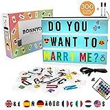 Caja de Luz A4 16 Colores con 300 Letras y Emojis, Mando, 2 Rotuladores – BONNYCO |Ñ y Ç |...