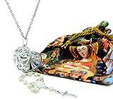 Colgante Corazón de María. Guardado en el Interior, Hay un Rosario Decenario con Perlas de Nácar, Medalla de Fátima y Cruz. Incluye Bolsa Estampada para Regalo. Colgante Corazón María Nacar.