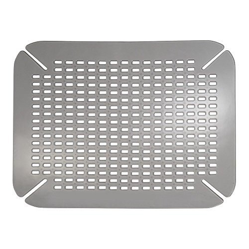 iDesign Alfombrilla escurreplatos, protector de fregadero pequeño de plástico PVC para fregaderos de cocina, rejilla escurreplatos con orificios de drenaje, gris claro