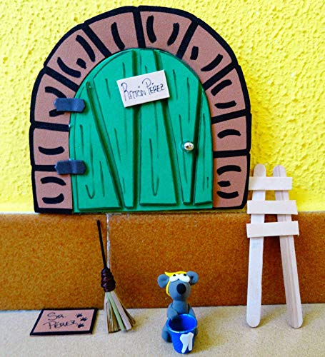 La puerta mágica del ratoncito Pérez personalizable. Incluye ratoncito, escalera y alfombra.