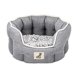 Luxury range with ultra soft reversible cushion - opposite side of cushion matches external colour High sides providing your pooch the greatest warmth and comfort 100% machine washable at 30 degrees Dog Bed Dimensions (L x W x H) 45 x 40 x 21cm Cushi...