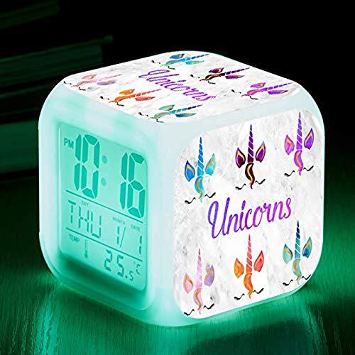 Jpenxv Reloj de Alarma Cuadrado Colorido Cerca del Caballo. La Alarma de Color Colorida Cambia de Color. 8 cm de Reloj de Alarma pequeño. Dale a los Estudiantes un Regalo
