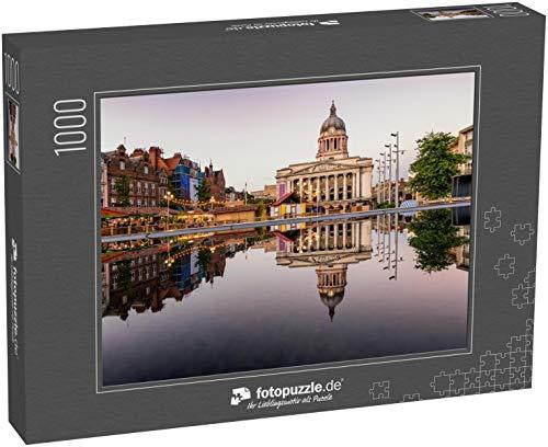 fotopuzzle.de Puzzle 1000 Teile Deutliches Spiegelbild eines Rathauses und Marktes im Brunnen in Nottingham City, England (1000, 200 oder 2000 Teile)