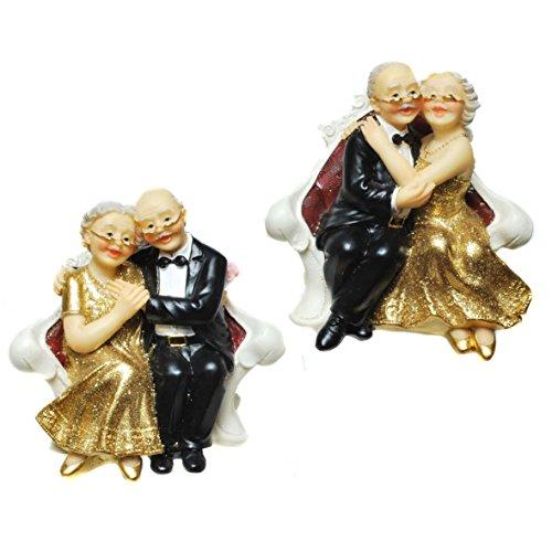 Bruidspaar gouden huwelijk op bank, Polystone