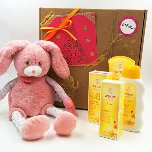 Regalo per Nonati con 4 Prodotti Weleda (Linea Calendula BIO) e con un Peluche Grande Doudou et Compagnie (40 cm)   Baby Shower Gift Idea   Versione per Femminucce