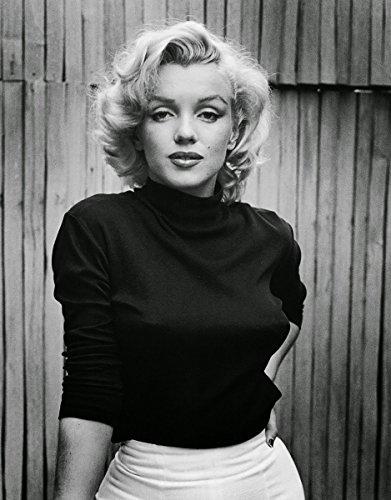 Marilyn Monroe Black and White 8x10 photo