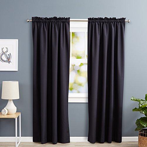 Amazon Basics - Cortinas opacas con aislamiento térmico y alzapaños, 1 unidad, 135 x 244 cm, Negro