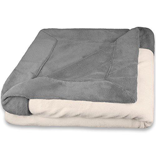 CelinaTex Toronto Kuscheldecke 150 x 200 cm grau und Creme weiß Mikrofaser Wohndecke Fleece Tagesdecke