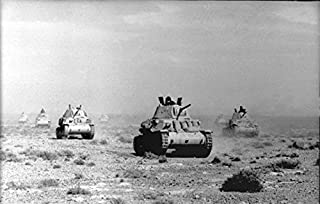Home Comforts Italiano: Carri armati Italiani del Regio Esercito (Modello M13/40) di Guardia nel deserto africano Vivid Imagery Laminated Poster Print 24 x 36