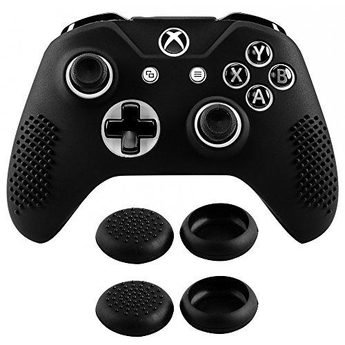 eXtremeRate Funda Silicona para Mando Xbox One Carcasa Suave Cubierta Antideslizante Protectora para Mando Controlador de Xbox One S/X con Dos Grips de Joyticks(Negro)