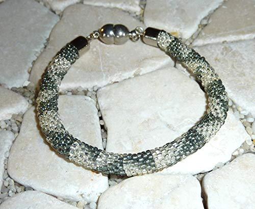 gehäkeltes Armband - grau & kristall -