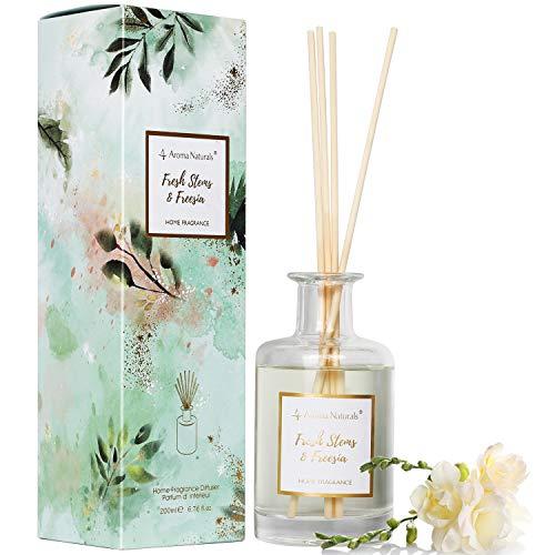 Aroma Naturals Duftstäbchenset mit 8 Stäbchen | 200ml | Bis zu 6 Monate Duft mit Einer dekorativen Box (Frische Halme und Freesien)