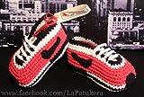 Patucos para bebé de crochet, Unisex. Estilo Nike, de color Rojos/Negros, 100%...